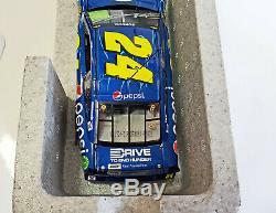 124 Jeff Gordon #24 Pepsi 2015 SS Die-Cast NASCAR Signed
