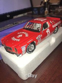 1979 Donnie Allison #1 Hawaiian Tropic 1/24 Monte Carlo Custom NASCAR Die-Cast