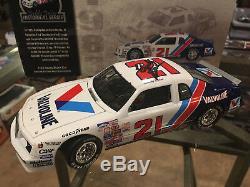 1/24 1983 #21 Buddy Baker Valvoline AUTOGRAPHED with COA RCCA CWHO