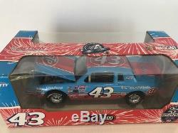 1/24 action Richard Petty 1984 Pontiac Gran Prix 200th Win 25th Anniversary