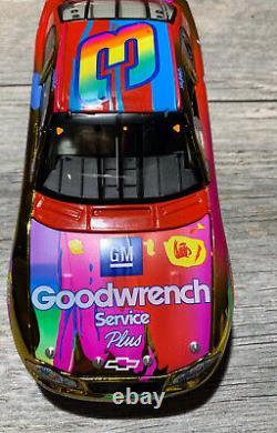 2004 Dale Earnhardt Sr. 2000 GM #3 Peter Max Color Chrome 1/24 Action RACING FAN