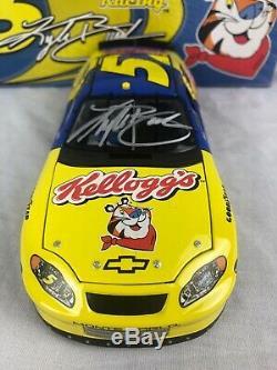 2005 Action RCCA Autograph Kyle Busch #5 Kellogg's 1/24 Scale NASCAR Diecast 444