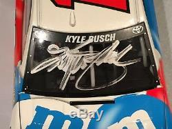 2016 Action Kyle Busch M & M's Red White Blue 1/24 Liquid Autographed 1 of 25