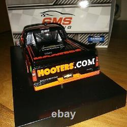 2020 Chase Elliott Autograph Hooters Truck STD 1/24 Diecast WOW