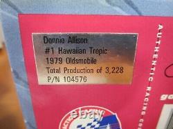 Action 1/24 Historical Series Donnie Allison #1 Hawaiian Tropic 1979 Oldsmobile
