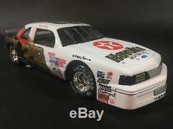 Action Davey Allison Historical Rookie Of Year 1987 Ford Thunderbird 1/24 NASCAR