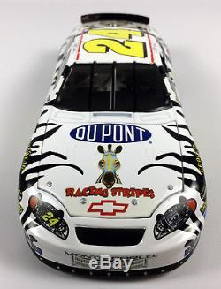 Action Diecast 2004 Jeff Gordon #24 DuPont Racing Stripes Car NASCAR 1 of 276
