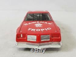Action Donnie Allison 1/24 Hawaiian Tropic 1979 Oldsmobile #1 Nascar Diecast Car