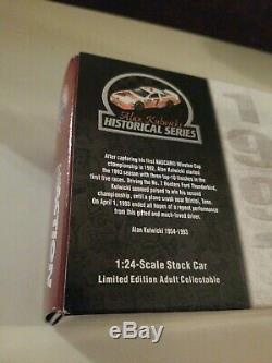 Alan Kulwicki 1993 # 7 Hooters 1/24 Action Historical Series Nascar Diecast Car