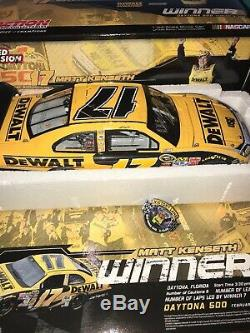 Autographed Matt Kenseth 2009 Dewalt Daytona 500 Win NASCAR Action Diecast 124