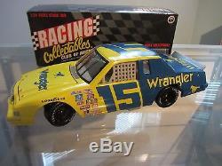 Dale Earnhardt Sr. #15 Wrangler 1982 Ford Thunderbird 1/24 NASCAR Diecast