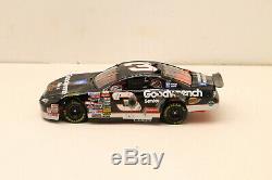 Dale Earnhardt Sr #3 1997 Crash Car NASCAR 124 Die-Cast Action'97 Monte Carlo