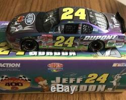 Jeff Gordon Autographed Dupont Bugs Bunny Racing 2001 NASCAR 1/24 Diecast Car