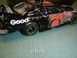 Kevin Harvick #29 GM GW Brickyard Victory Burnout 124 scale Action ELITE 2003
