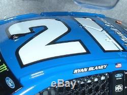 NEW 2017 Ryan Blaney #21 Quick Lane NASCAR diecast 1/24 Ford Fusion race car NIB