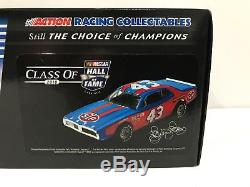 Richard Petty 1974 Dodge Charger Hall Of Fame Autographed 1/24 historical