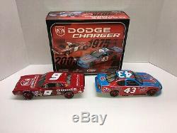 Richard Petty Autographed Nascar Diecast #43 Stp 1975 2005 Dodge Swap 2 Car Set