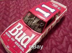 Signed Darrel Waltrip 1985 Monte Carlo (ACTION) 1/24 scale NASCAR Die Cast